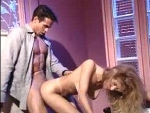 После секса мужик накончал на лицо и сиськи блондинки