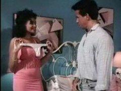Ретро порно ролики с грудастыми сучками которые любят трах между сисек