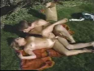 Смотреть ретро порно ролики с грудастыми блондинками, которые любят соблазнять мужчин