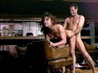 Откровенное ретро порно черных парней, которые любят трахать зрелых сучек