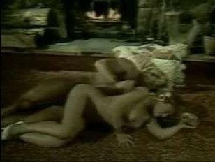 Ретро порно баб с большими сиськами, которые трахаются с неграми