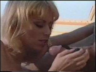 любовник как следует оттрахал в пизду сисястую блонду