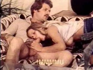 Ретро секс-измена: пока муж на работе сосед пользуется его женой