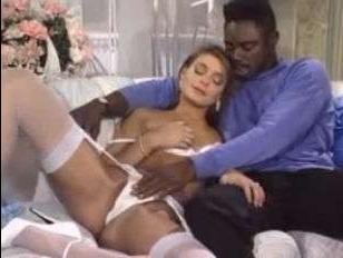 секс с негром стройной милфы с длинными ногами