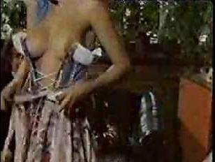 Старинное ретро порно: грудастая женщина в корсете даёт в пизду