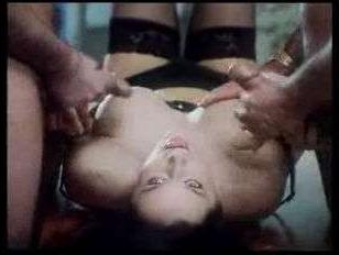 Винтажное порно грудастых: красивые дамы дают молодым самцам