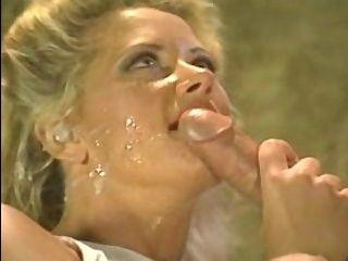 Любимое ретро порно с сисястой красавицей, которая отлично сосет и ебется в пизду