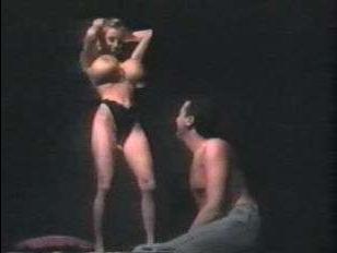 Порно видео ретро: большие сиськи блондинки возбудили парня на безумный трах