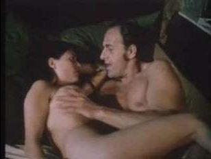 Порно видео ретро: инцест между отцом и дочерью