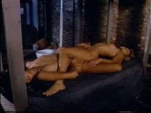 Ретро порно в тюрьме: отличный секс лесбиянок