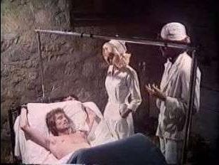 Красивое порно: винтажной медсестрой овладел пациент