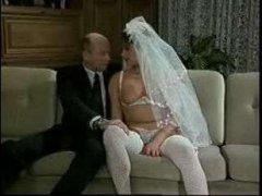 Для зрелых винтажный порно фильм начался со свадебной церемонии