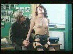 Групповые винтажные порно фильмы: профессор трахнул трех дам
