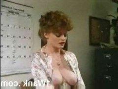 Красивое ретро порно зрелых лесбиянок с оральными ласками