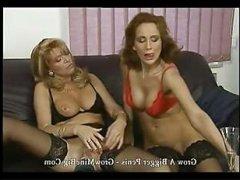 Немецкое винтажное порно: две зрелые тётки садятся на хуй