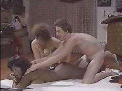 Порно винтаж со зрелыми женщинами и одним мужчиной