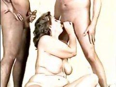 Просмотр порно винтаж с толстой любительницей жесткого секса поднимет вам настроение