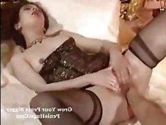Ретро порно 70-80 годов: две лесби занимаются фистингом