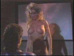 Смотреть порно ретро девушек с большими дойками, которые любят сосать