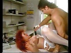 Смотреть секс видео: ретро ебля рыжеволосой женщины с мужиком