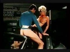 Старый порно винтаж, где телки и мужики ебутся в разных позах