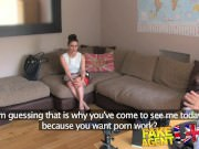 Горячее порно: анал в офисе с красивой девушкой
