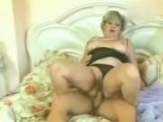 Ретро порно со зрелыми дамами, которые тоже хотят трахаться
