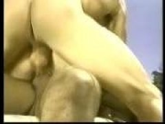 Винтажное порно: двойное проникновение в блондинку