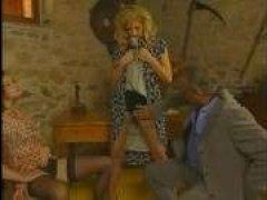 Винтажное порно: папа трахает красоток дочерей