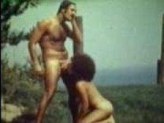 зрелых баб трахают мужчины в киски