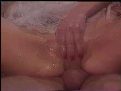 голая винтажная пара занимается сексом в пилотку