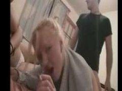 Русское групповое ретро порно с классными молодыми сучками и их трахарем