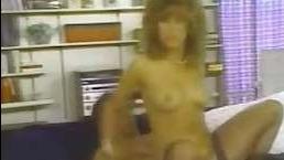Ретро порно фильм: женщин ебут любовники в нескольких откровенных сценах