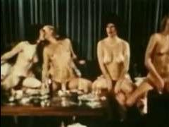 Старое ретро порно: массовая оргия семейных пар