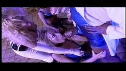 Горячея ебля ретро мам и сексуальных девушек с финалом на лица